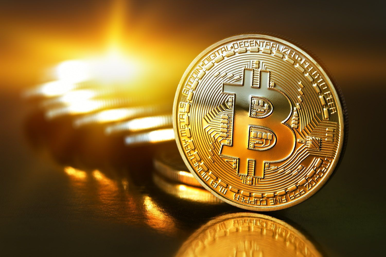 Bitcoin Surges 8% to Record Near $3,000